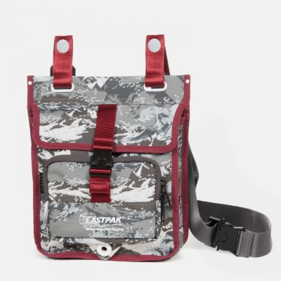 [WHITE MOUNTAINEERING] WM MUSETTE